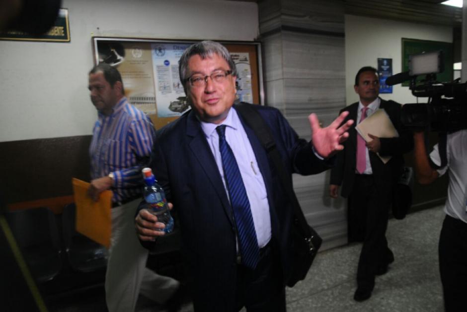 Fajardo presentó sus pruebas de descargo ante el juez pesquisidor. (Foto: Alejandro Balán/Soy502)