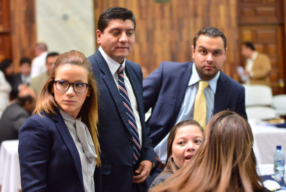 Daniela Beltranena y su abogado presentaron su pruebas de descargo. (Foto: Jesús Alfonso/Soy502)
