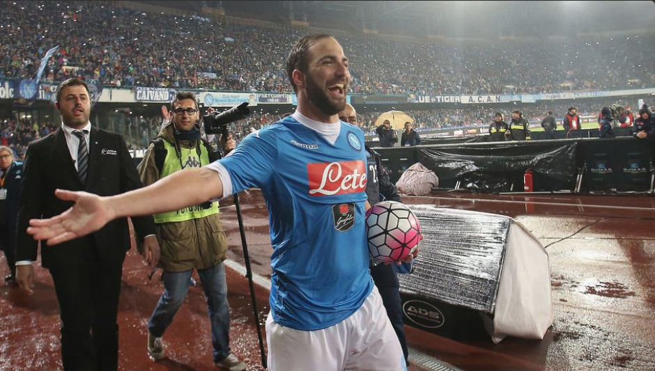 El '9' del Napoli hizo un récord de goles en la Serie A la temporada pasada, logró 36 anotaciones. (Foto: Twitter)