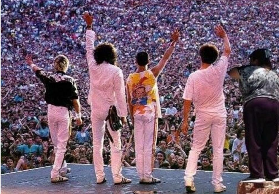 Y no podía faltar la foto de grupo. (Foto: Twitter/buzzfeed.com)