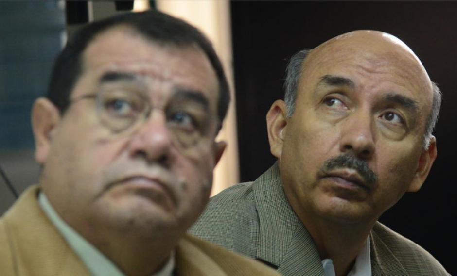 Jacobo Salán Sánchez y Napoleón Rojas enfrentaron a la justicia por el desvío de Q30 millones del Ministerio de la Defensa. (Foto: Archivo/Soy502)