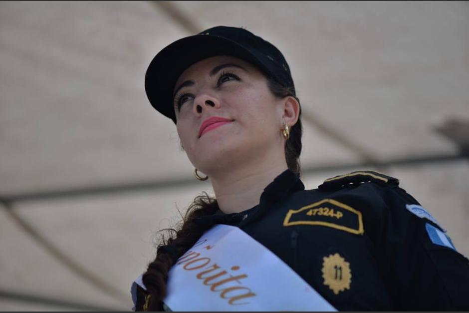 La belleza de las agentes policiales que no escatiman el riesgo de servir en esta institución también es reconocida. (Foto: Wilder López/Soy502)