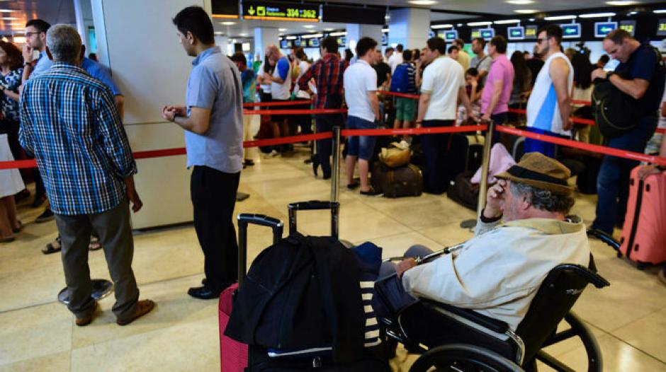 Los vuelos hacia el aeropuerto internacional de Estambul, Turquía, fueron retomados. (foto: AP)