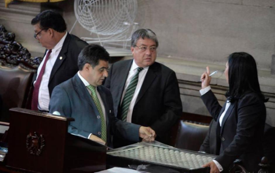 El parlamentario de la UNE habría solicitado la contratación de 17 personas. (Foto: Archivo/Soy502)