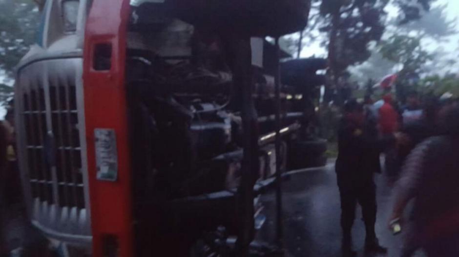 El accidente se reportó en dirección hacia Colomba Costa Cuca. (Foto: @CRGuatemalteca/Twitter)