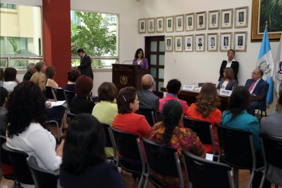 Xitumul fue nombrada Secretaria Presidencial de la Mujer en el gobierno de Pérez Molina y se mantuvo en su cargo con el nuevo Gobierno.  (Foto: Twitter, Seprem)