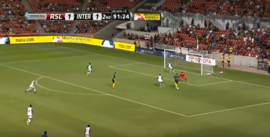 El momento del golazo del delantero contra el Real Salt Lake. (Captura de pantalla)