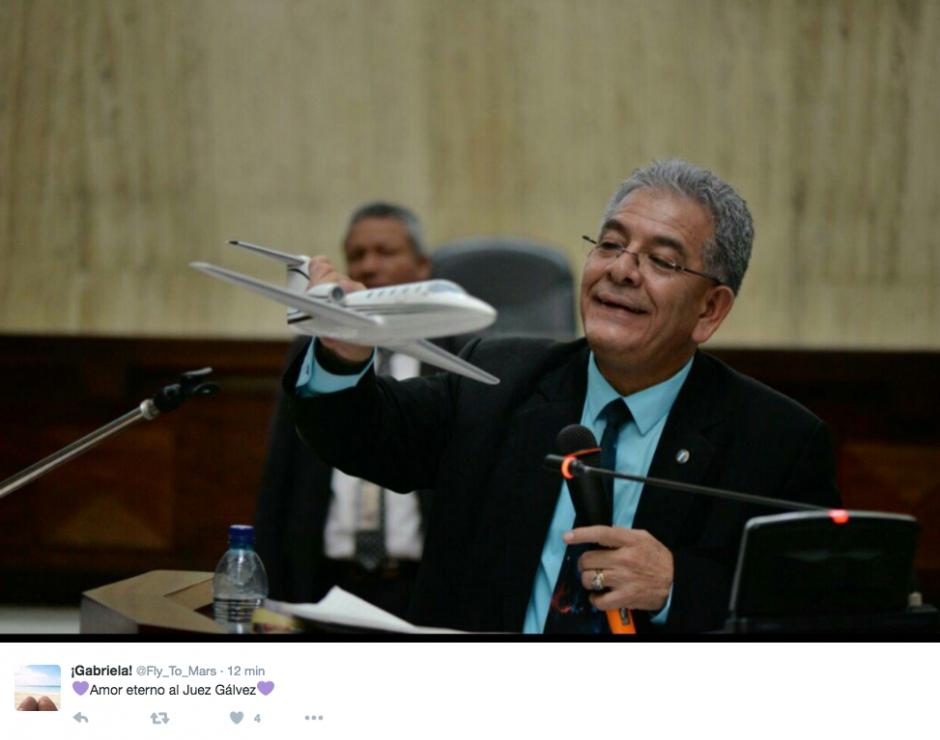 El juez Miguel Ángel Gálvez ya es todo un personaje en redes sociales. (Imagen: Twitter)
