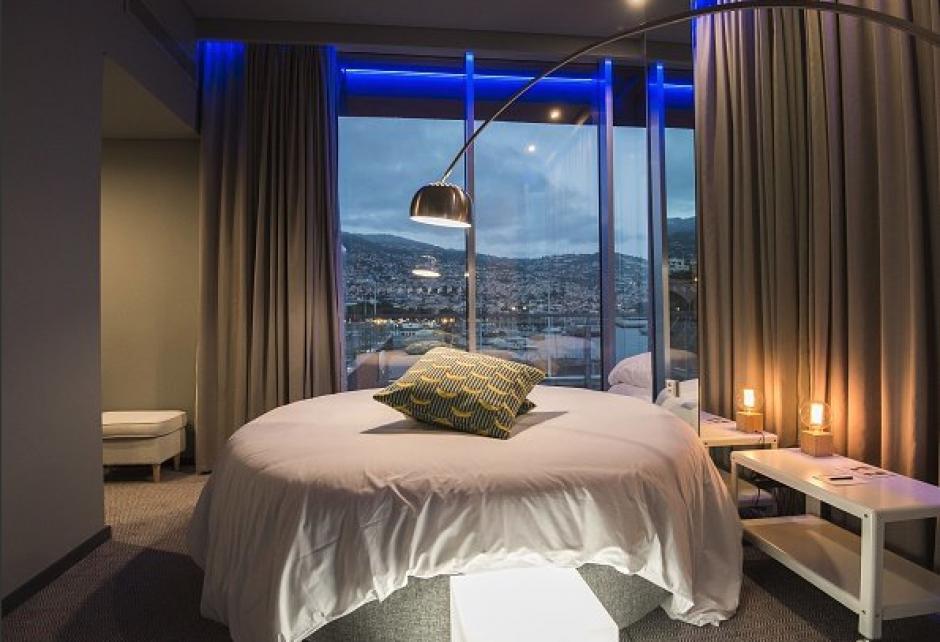 Las magnificas vistas del mar son parte de las habitaciones. (Foto: El País)