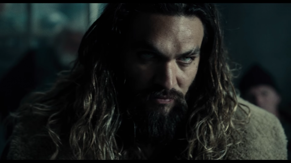 El tráiler comienza con Ben Affleck, quien hace el papel de Bruce Wayne buscando a Aquaman. (Foto: Warner Bros. Pictures)