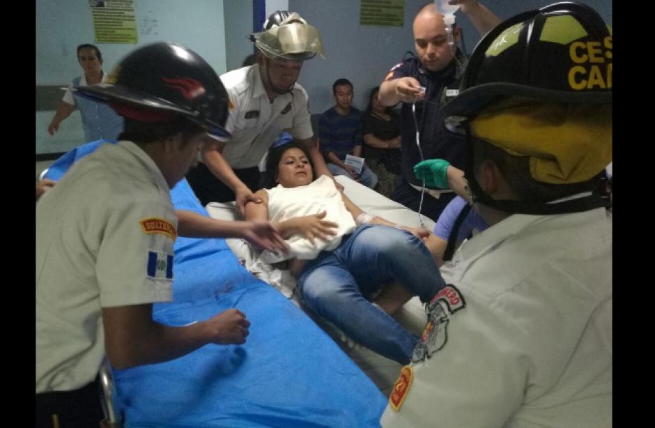 Dos heridos fueron traslados a un hospital. (Foto: Bomberos Voluntarios)