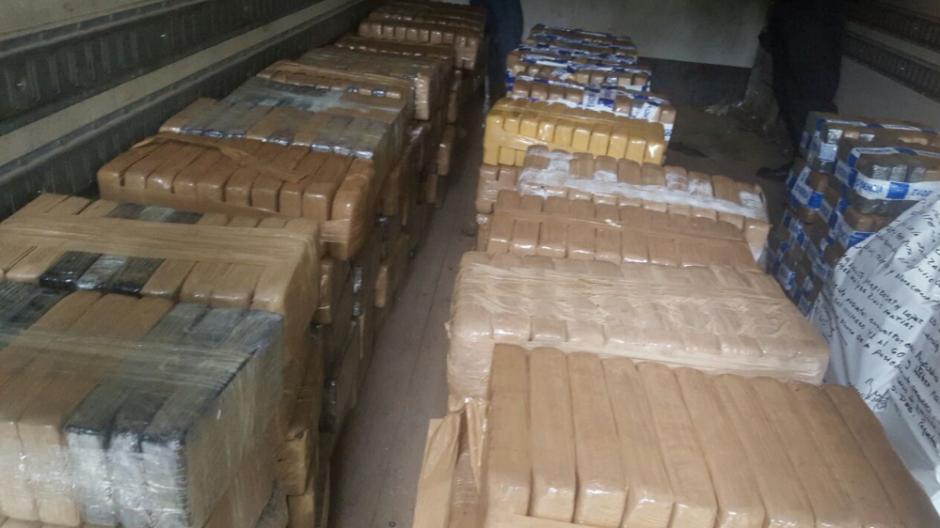 La droga se movilizará vía aéra a Guatemala. (Foto: PNC)