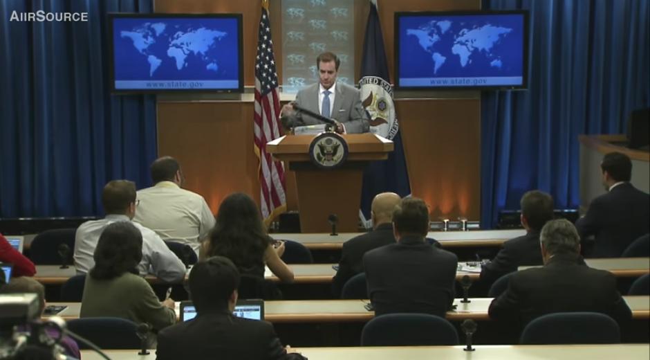 El portavoz del Departamento de Estado de Estados Unidos  brindó una conferencia en la que hablaría sobre las nuevas estrategias para combatir al Estado Islámico. (Captura Youtube)