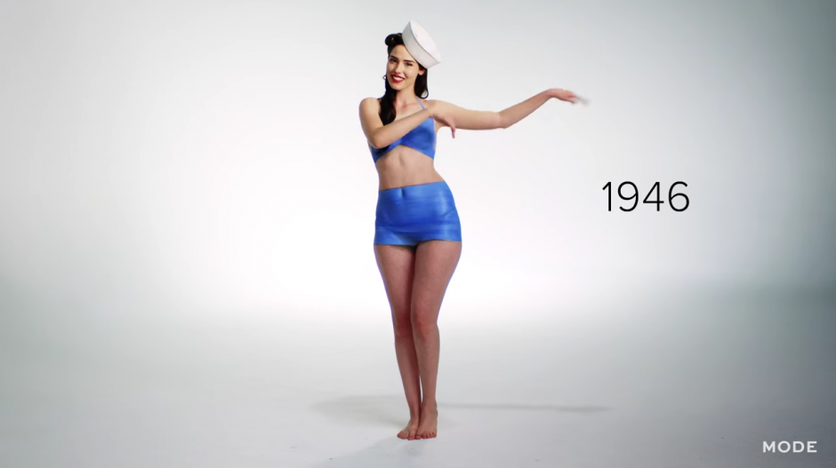 La moda de los trajes combinados con los sombreros de marinos generan sensación en estos años. (Captura YouTube)