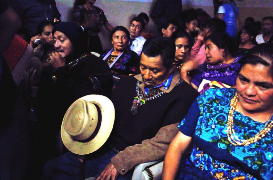 Las autoridades ancestrales mayas también estuvieron en la audiencia. (Foto: Prensa Comunitaria/Twitter)