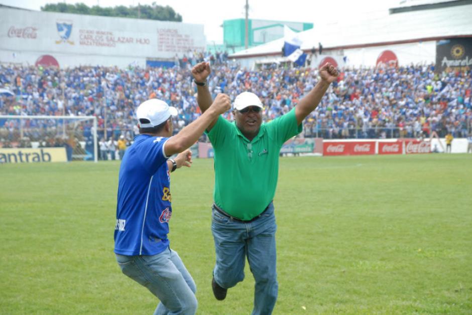 El técnico de Izabal es el primer nacional en haber ganado desde 1993. (Foto: Soy502)