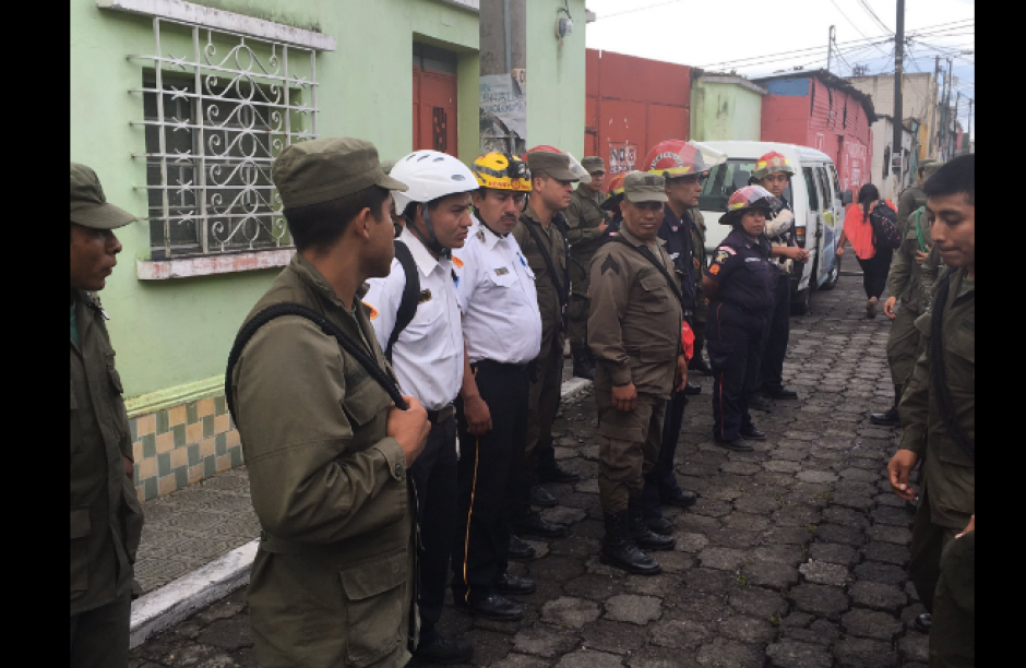La brigada de búsqueda fue conformada en Mixco. (Foto: Bomberos de Mixco/Twitter)