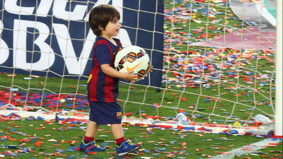 Milan Piqué, el mayor, durante la celebración de un título (Foto: RondoBlaugrana)
