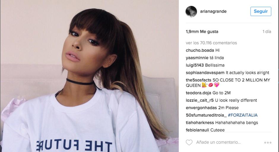 Con esta fotografía, la cantante mostró al mundo su cambio de apariencia. (Foto: Instagram Ariana Grande)