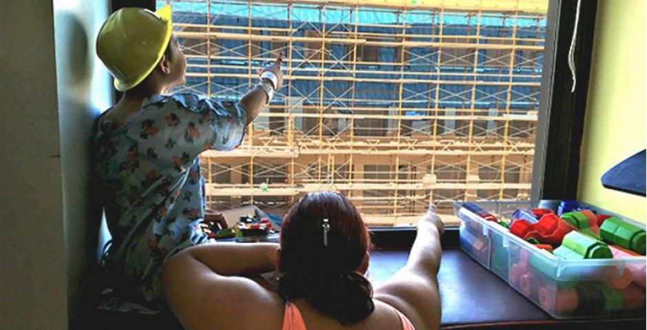 Los niños de un hospital de enfrente se encargan de buscarlo. (Foto: Facebook/Where's Waldo)