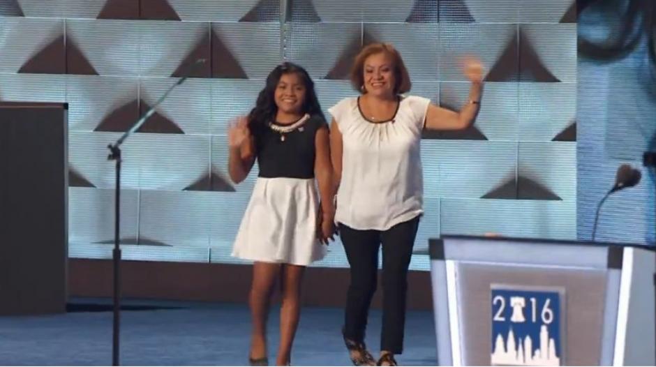 La madre guatemalteca pidió el apoyo para Clinton. (Foto: Univisión Política)