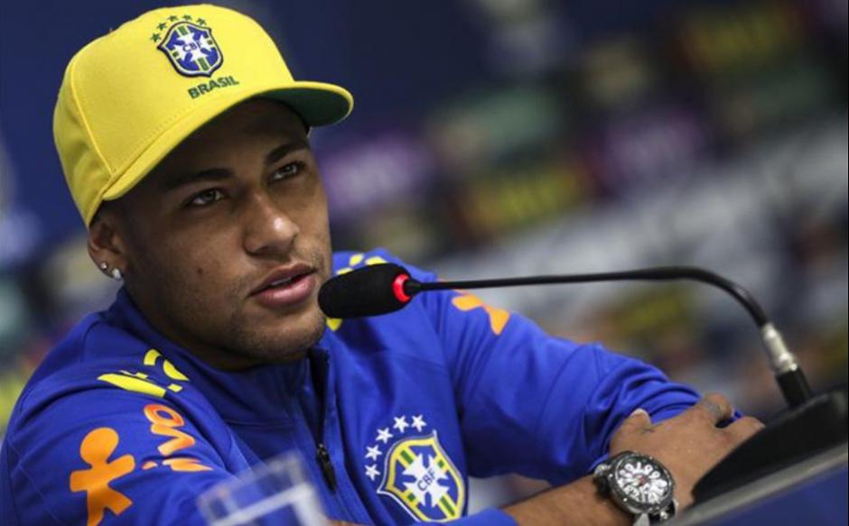 Neymar no oculta que sale por las noches (Foto: Sport)