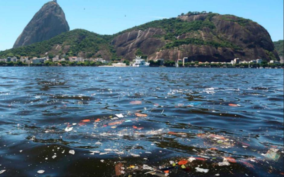La bahía de Guanabara tiene altos niveles de contaminación. (Foto: Poblanerias)