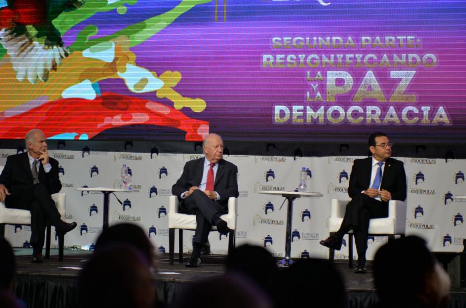 Además de Jimmy Morales, participó Álvaro Arzú y el expresidente de Chile. (Foto: Wilder López/soy502)