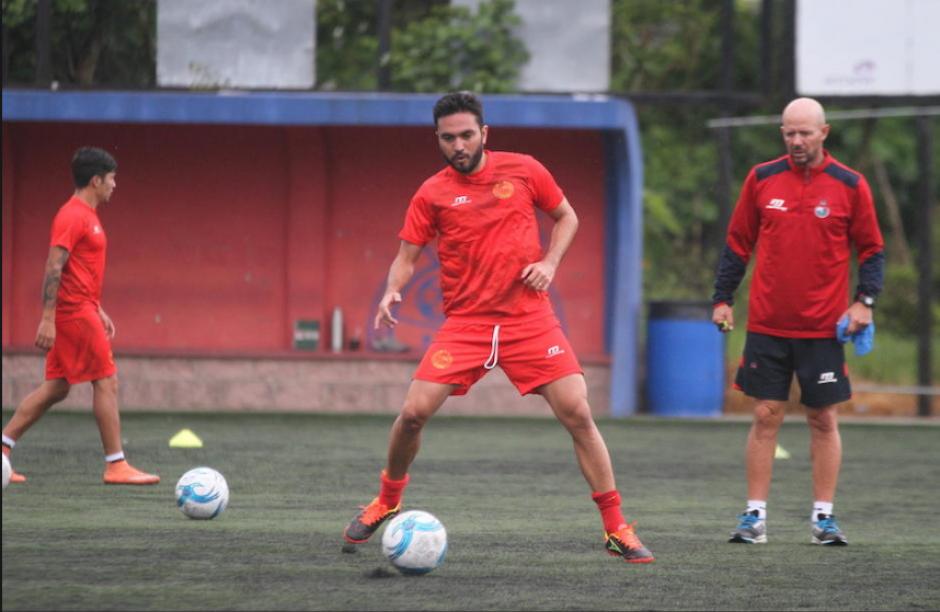 Carlos Kamiani liderará la ofensiva roja ante Mictlán. (Foto: Nuestro Diario)