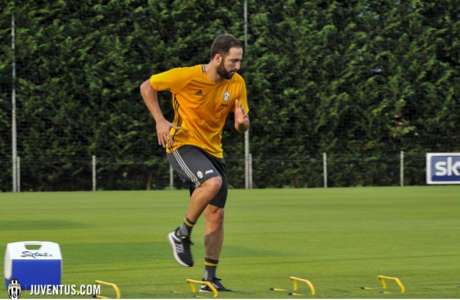 Por ahora, se pondrá en forma y entrenará con los demás. (Foto: Juventus.com)