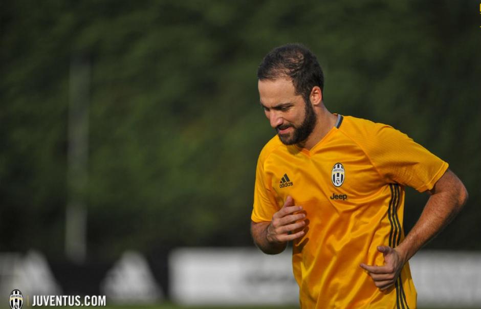 El Pipita podría debutar contra la Fiorentina el 20 de agosto. (Foto: Juventus.com)