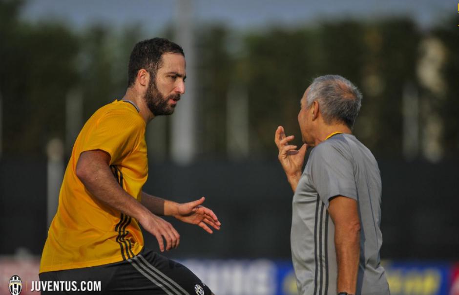 El argentino se entrenó solo, suavemente. (Foto: Juventus.com)