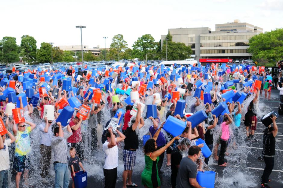 Hubo eventos para celebrar el reto del agua congelada. (Foto: mobile.softpedia.com)