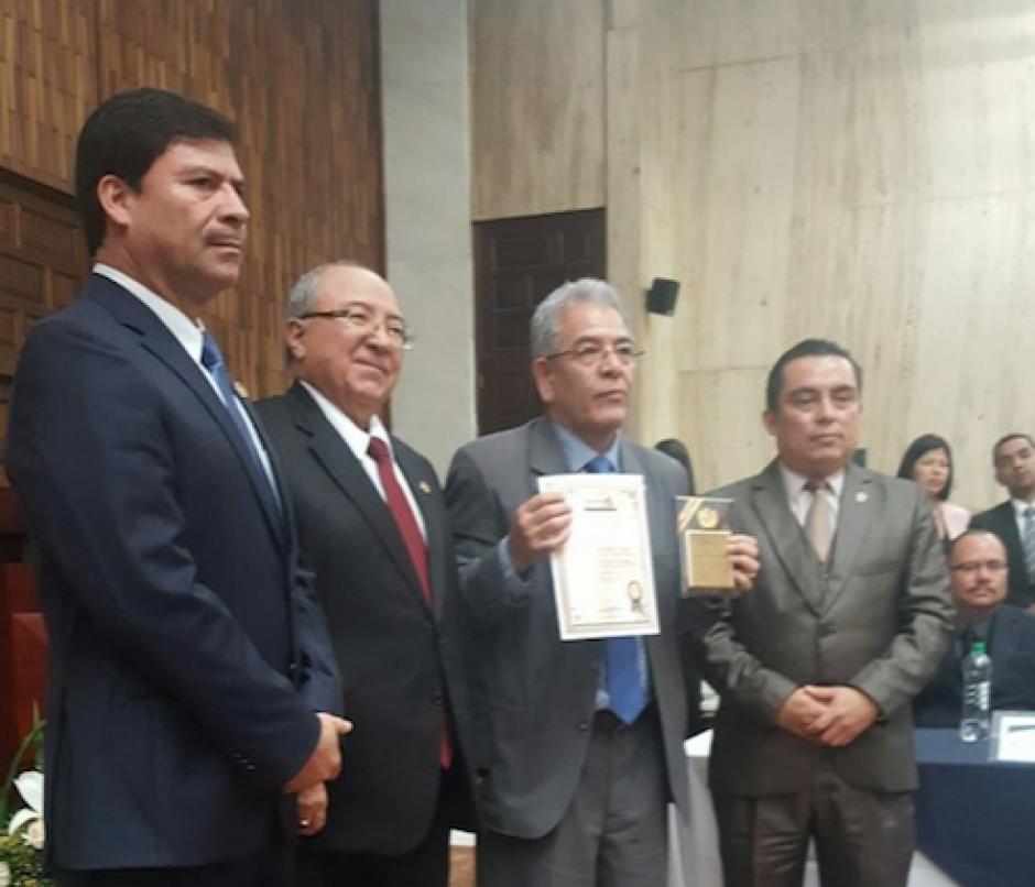 El reconocimiento fue recibido durante un acto especial que se llevó a cabo en la Sala de Vistas de la CSJ. (Foto: Organismo Judicial)