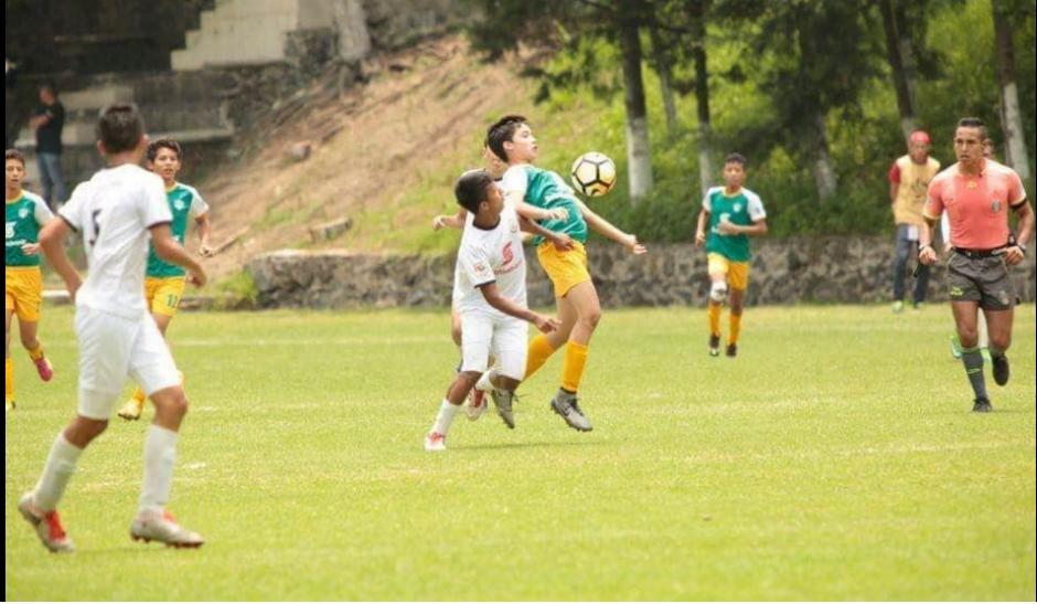 El marcador terminó 0-0 y se fueron a penales. (Foto: Cremas)