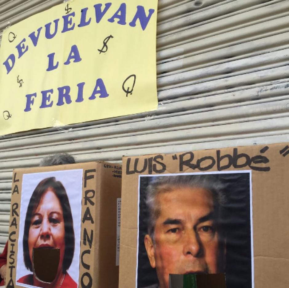 La esquina de la Sexta Avenida y 9a. calle zona 1 fue el escenario de la actividad donde se exigió la renuncia de los 15 diputados con proceso de antejuicio. (Foto: LaBatucadaDelPueblo)