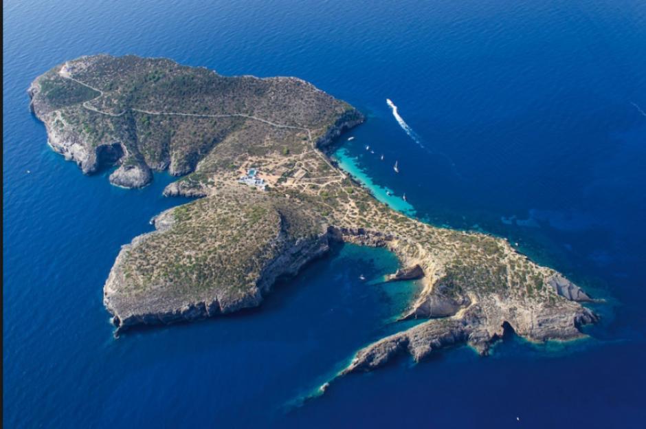 Vista área de la Isla de Tagomago, cerca de Ibiza. (Foto: Mirror)