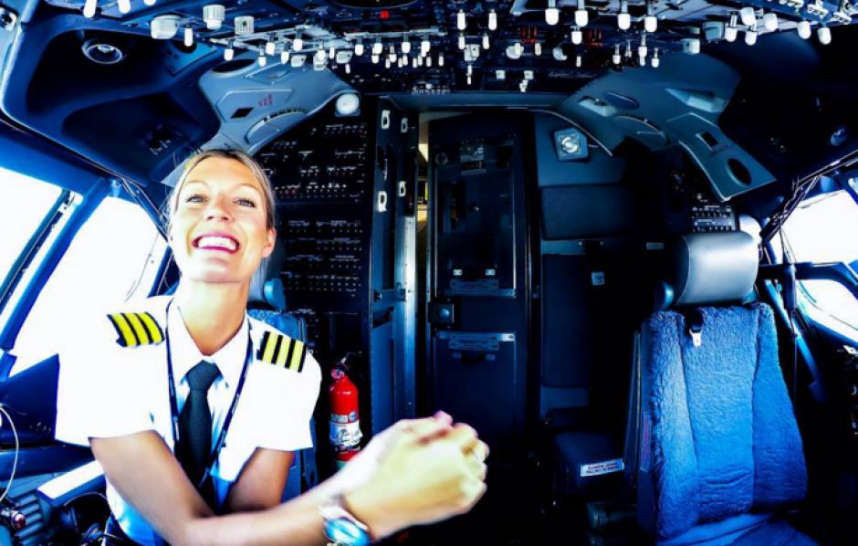María tiene siete años de haber sacado su licencia de piloto comercial. (Foto: Instagram)