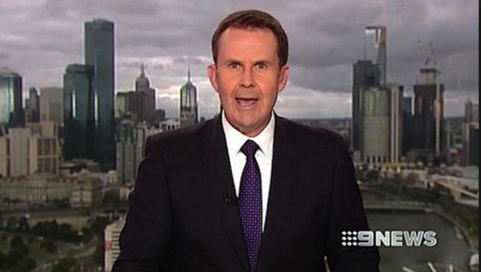 Tony Jones fue quien intentó robarle un beso. (Foto: www.news.com.au)