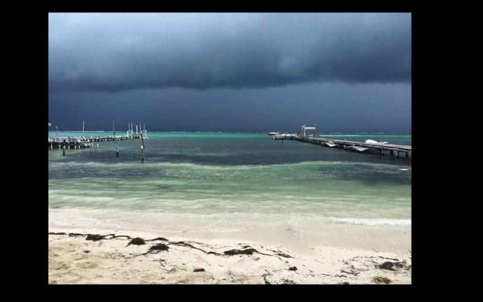 Así se miraban las playas en Belice esta tarde. (Foto: Twitter/@radioamericahn)