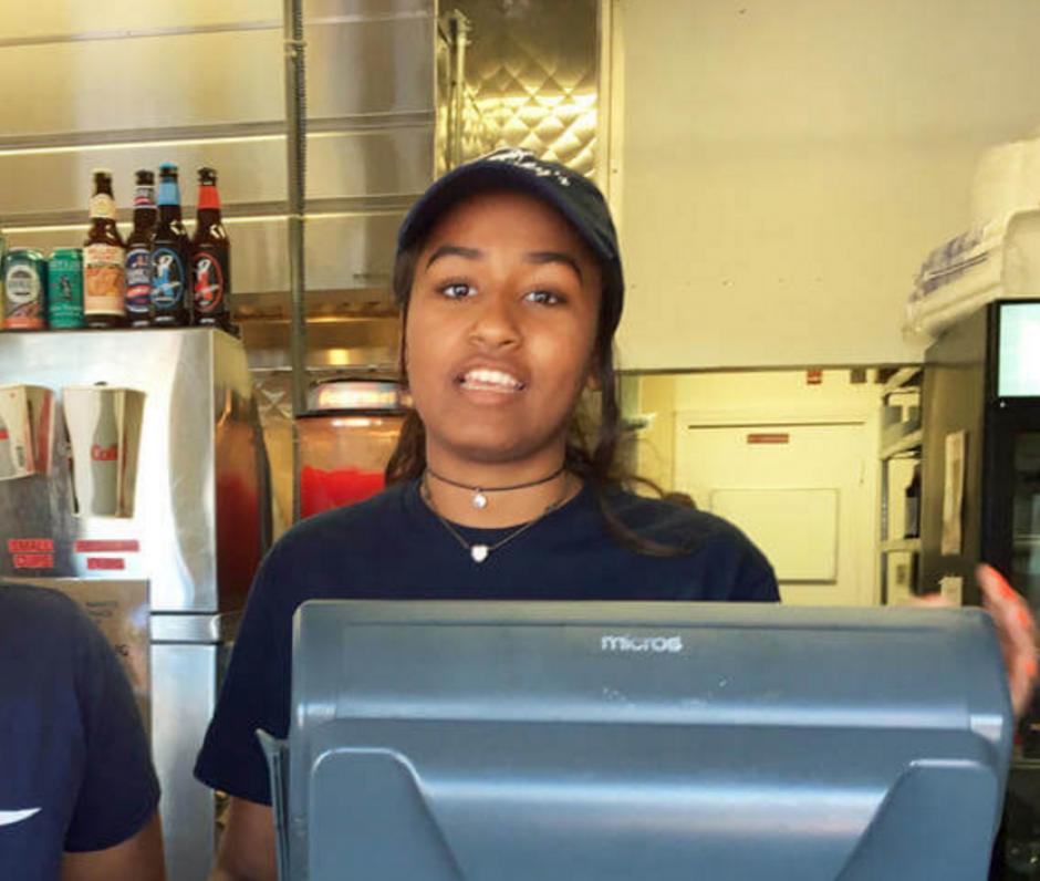 Como Sasha la conocen todos en el trabajo. (Foto: ktvu.com)