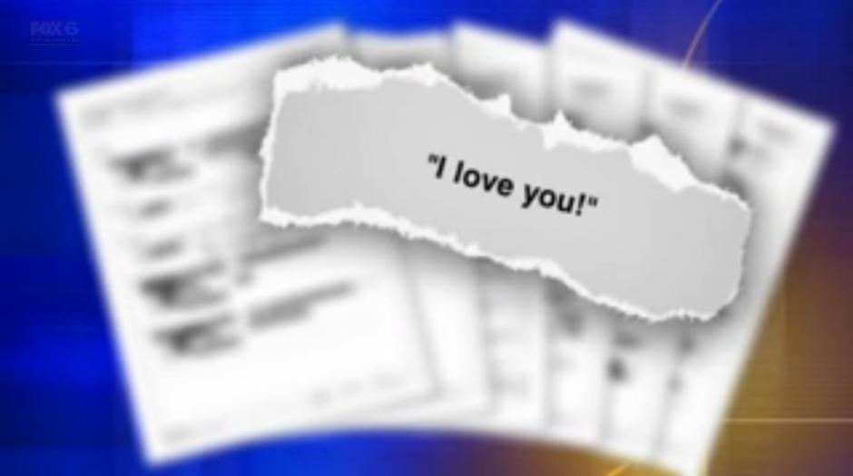 Los mensajes que la profesora enviaba a su estudiante la delataron. (Foto: Dailymail)