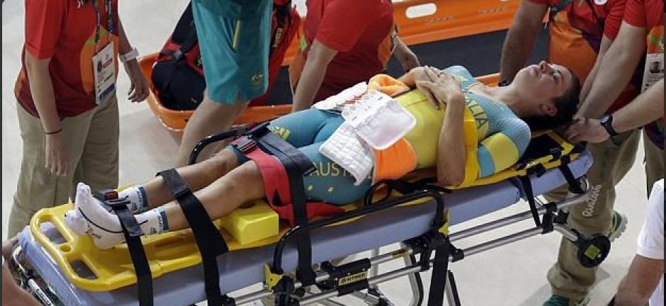 La ciclista de 25 años se fue con mucho dolor. (Foto: Twitter)