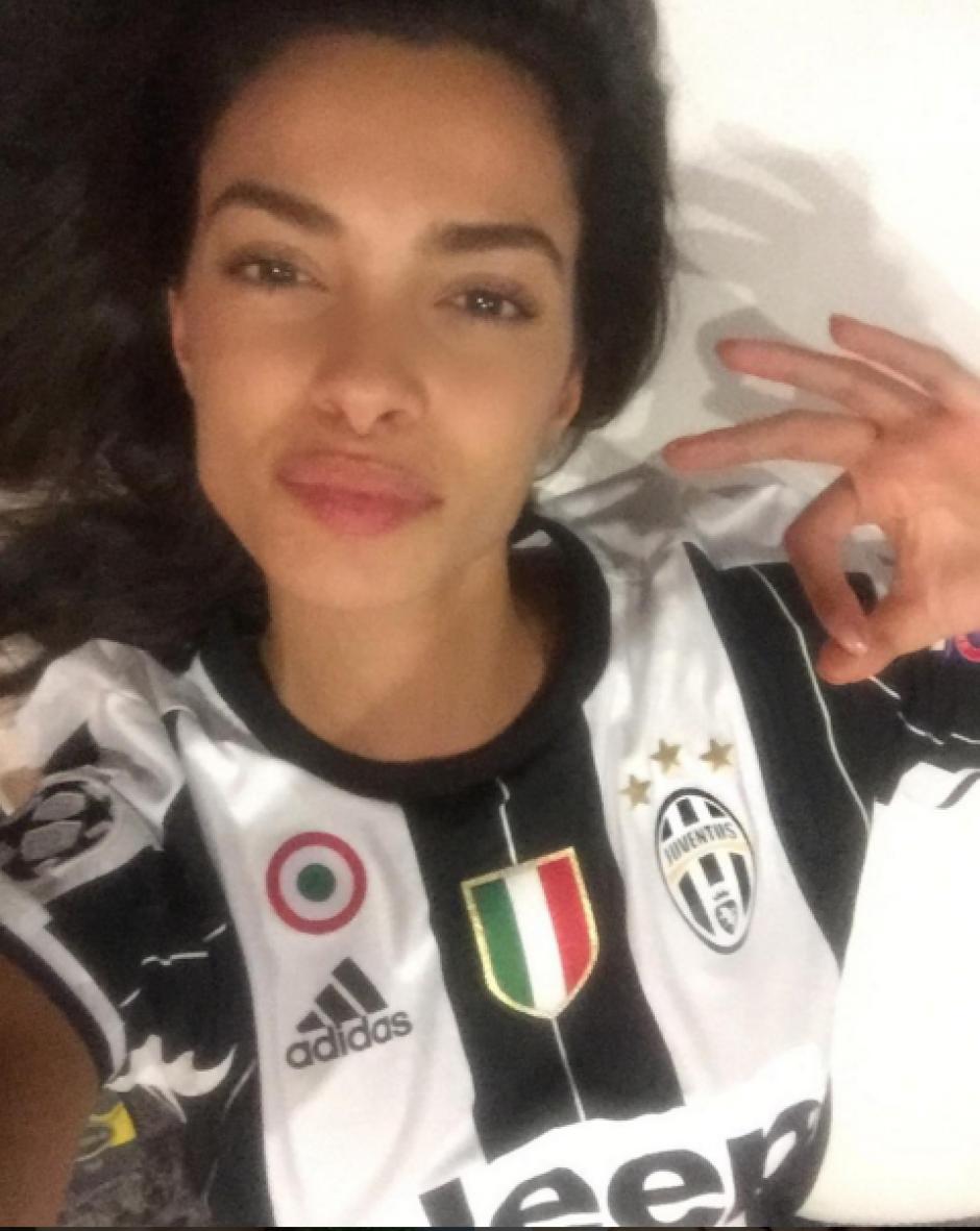 A través de su cuenta de Instagram, la novia del futbolista muestra su apoyo a su nuevo equipo. (Foto: Instagram Joana Sanz)