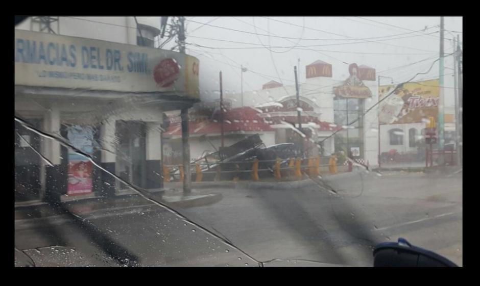 El sector está colapsado por las fuertes lluvias. (Foto: Twitter/@DTransitoPNC)