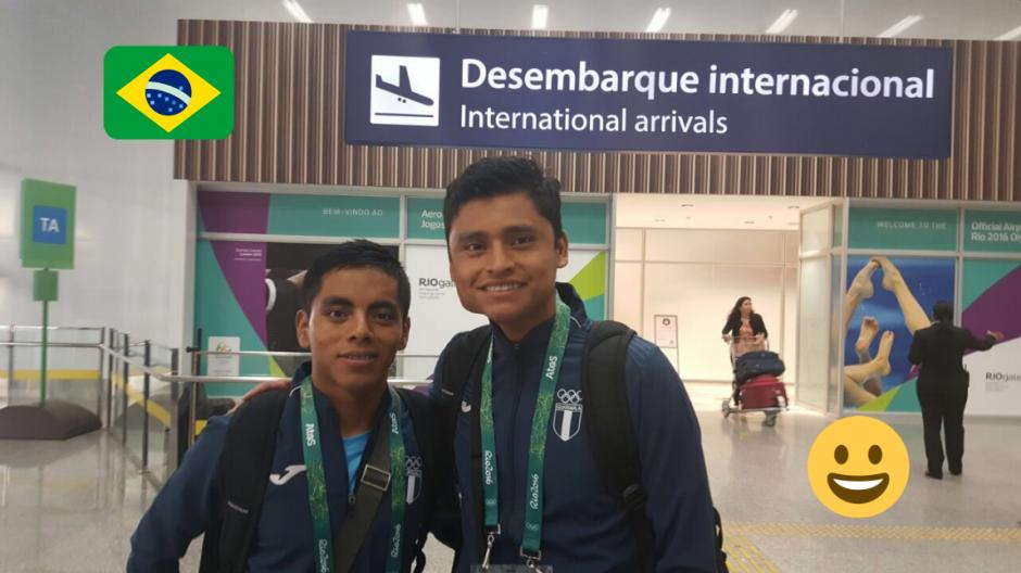 Erick y José a su llegada a Río, muy temprano en la mañana. (Foto: Twitter/COG)