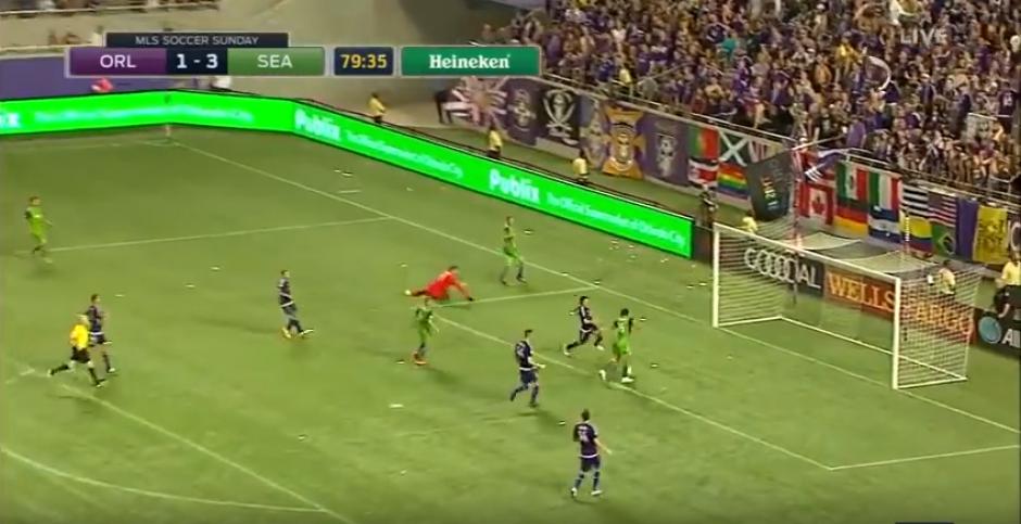 Solo y sin portero, Haedo Valdez falló un gol increíble. (Foto: YouTube)
