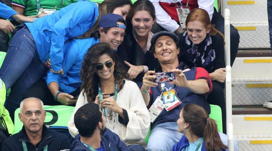 Matthew McConaughey se encuentra en Río con su esposa y se tomó varias fotos. (Foto: time.com)