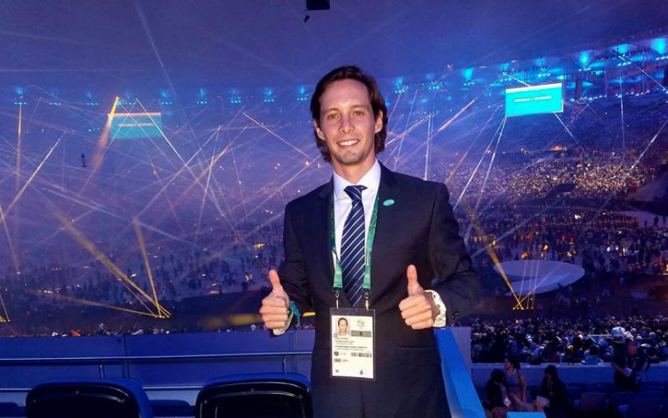 Carlos Tellería Kaltschmitt acompañó a Willi Kaltschmitt Luján durante la inauguración de los Juegos. (Foto: Facebook/Carlos Telleria Kaltschmitt)