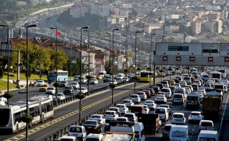 Con un nivel de congestión del 50%, Estambul, Turquía, se ha posicionado en el puesto número tres. (Foto: Ozan Kose/AFP)